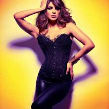 Priyanka Chopra Smashing Photoshoot Wallpaper